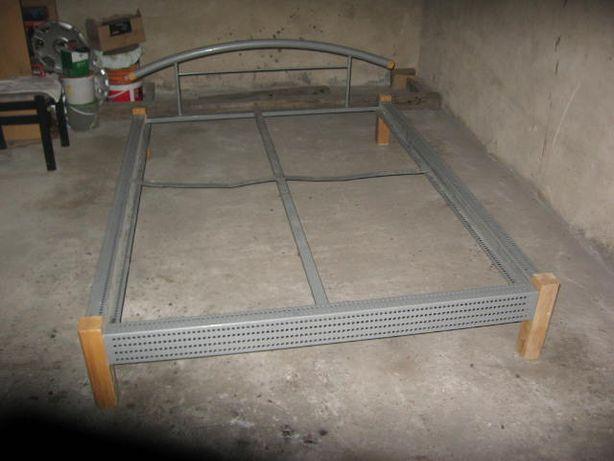 łóżko metalowe 140x200 rama , z niemiec