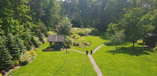 Dom miejski w lesie 248m2 dzialka 5130m2 cicha okolica