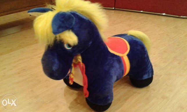 Лошадка -пони.
