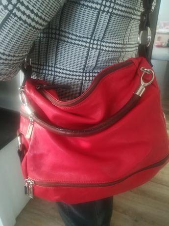 Czerwona włoska skórzana torebka. Skóra naturalna
