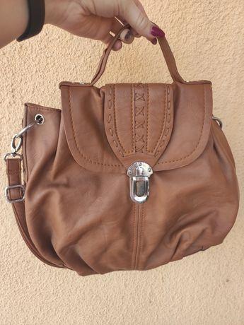 Вмістка коричнева сумочка