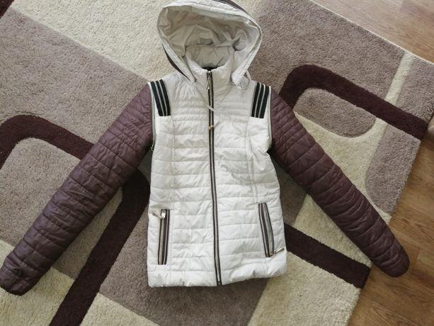 Продам куртку курточку демисезонную осень-весна