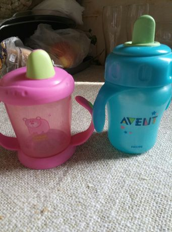 Бутылочка непроливайка, стакан, чашка+ ложечки для первого прикорма
