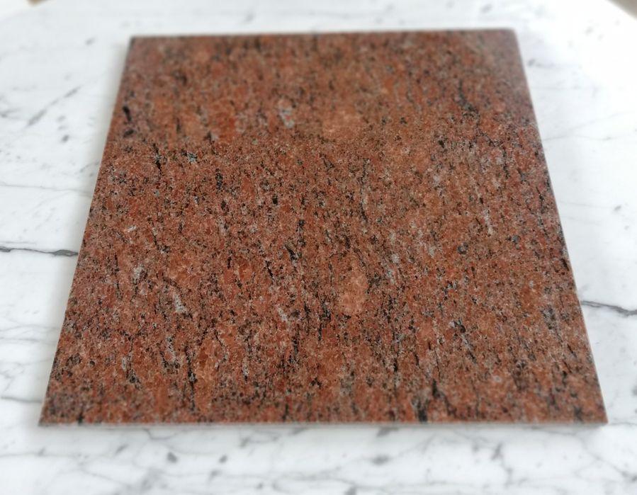 Płytki granitowe Czerwona Vanga 30.5x30.5x1 Vanga Rossa Poskwitów - image 1