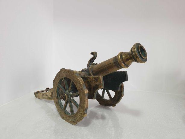 Canhão em bronze