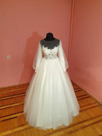 Весільна сукня/Свадебные платья /Платя для розпису/випускне плаття