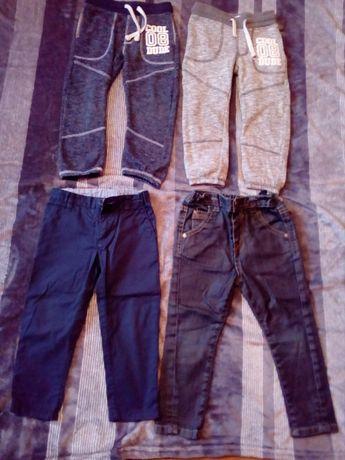 spodnie chłopięce rozmiar 98 (dwie pary)