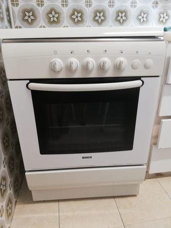 Fogão Bosch com forno a gás