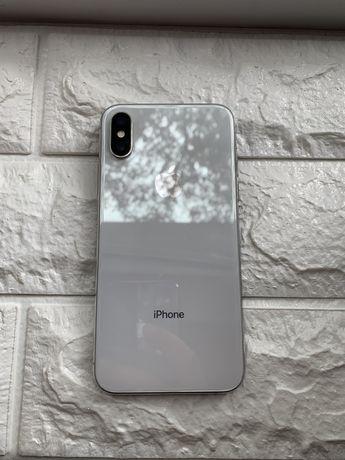Продам IPhone xs 64