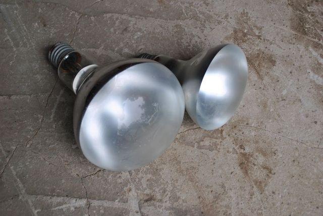 Лампа накаливания зеркальная.