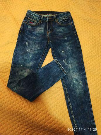 Женские джинсы.      .