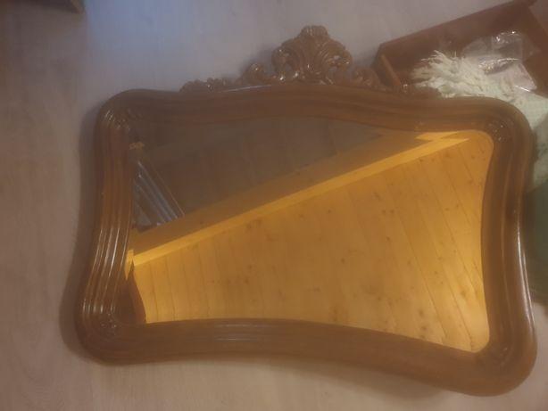 Espelho antigo em muito bom estado.