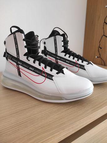 Ténis da marca Nike