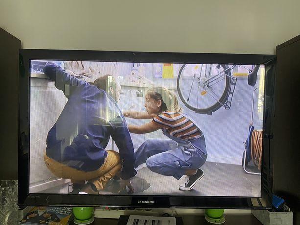 Telewizor Samsung 42 cal . Polecam