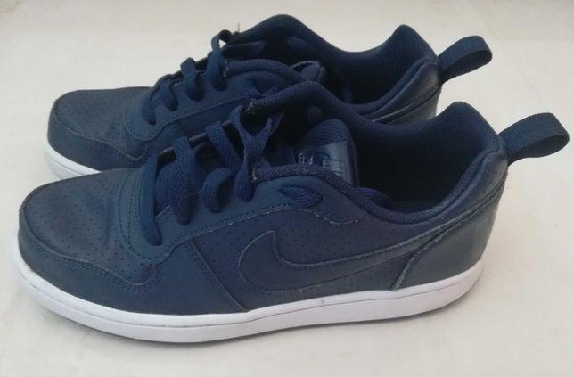 Sapatilhas Nike de criança Nº38 – pouco usadas