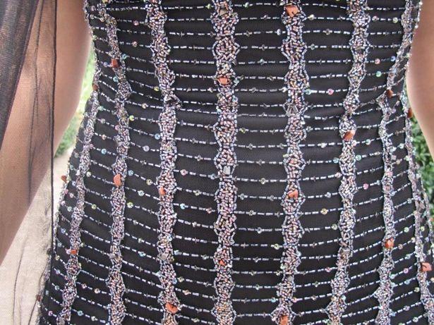 Вечернее платье с натуральными камнями