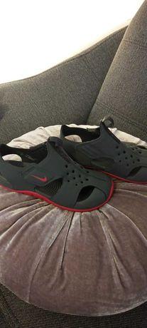 Sandałki nike 28