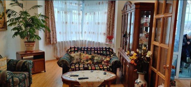 Продам 3-х комнатную квартиру Святошинський район, ул. Хмельницкая