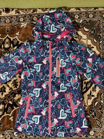 Куртка горнолыжка на девочку