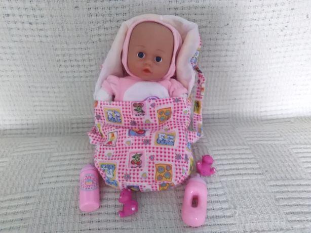 mała lalka w nosidełku+druga mała lalka gratis