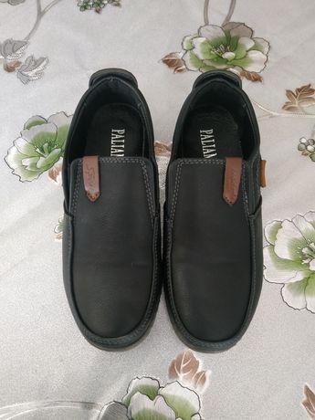 Продам туфли-макасины на мальчика