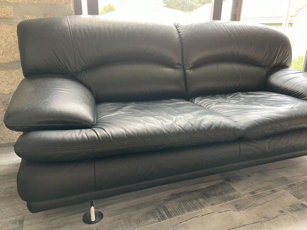 Sofá de sala em pele