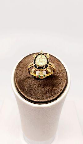 Złoty pierścionek próba 585 Rozmiar 15 Waga 2.79 gr