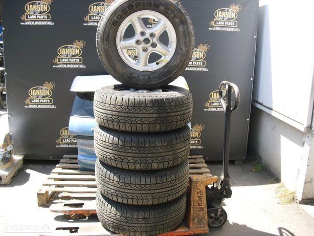 Range Rover P38 jantes 5x  pneus pirelli scorpion STR 255x65x16