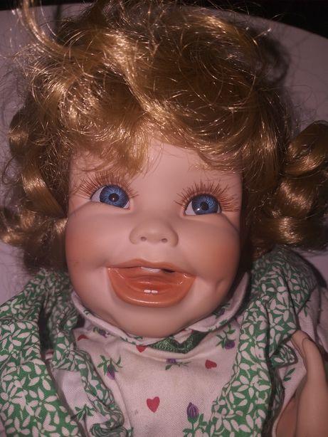 Stara,porcelanowa,autorska lalka z sygnaturą i numerem