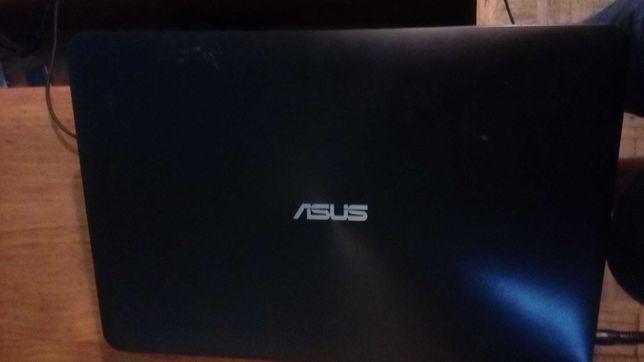 ASUS X555L    4 GB    DISCO  1000 GB