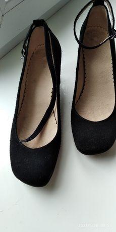 Туфлі ,натуральна замша,хороша якість