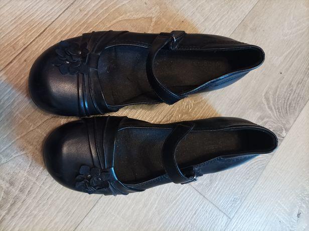 Туфли девочке. 23.5 см