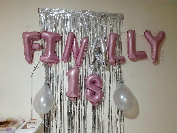 Letras FINALLY  com balões 18