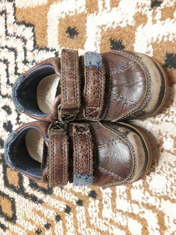 Кожаные кроссовки фирмы Clarks, коричневого цвета, 21 размер