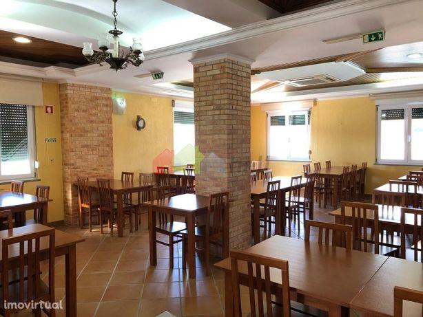 Restaurante Pronto a Usar   Chave na mão   centro da Vila do Pinhal No