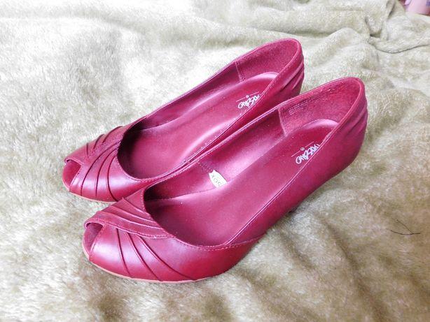 Buty damskie skórzane wysoki obcas