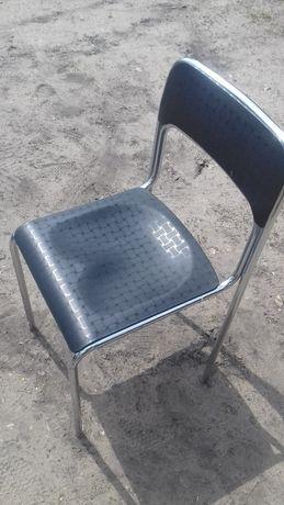 Krzesło Nowy Styl, chromowany stelaż, siedzisko wygodne, czarne, 6szt