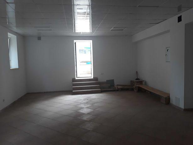 Продам комерційне приміщення в центрі міста на 1-му поверсі