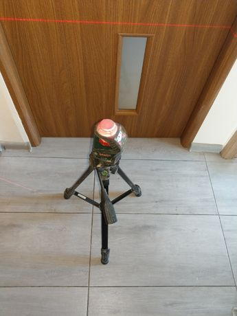 Poziomnica Laser Krzyżowy BOSCH PLL 360 + Statyw