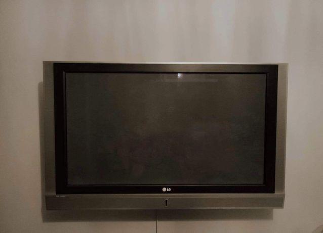 "Telewizor 42"" LG 42PC1RV w bdb stanie"
