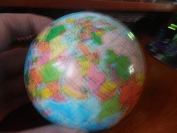 Мячик глобус новый