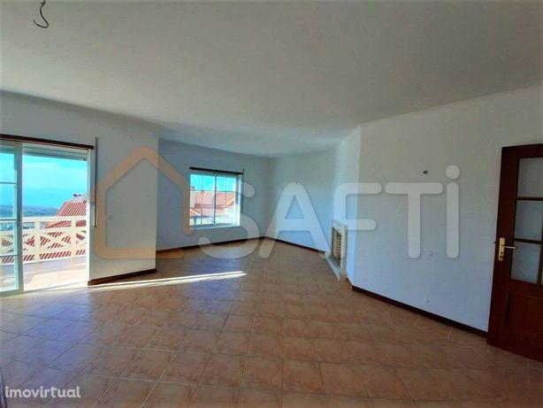 Apartamento T3 com vista mar em Ericeira