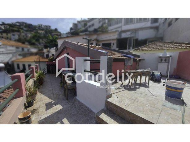 Moradia T1+1 para venda na Rochinha, Santa Maria Maior