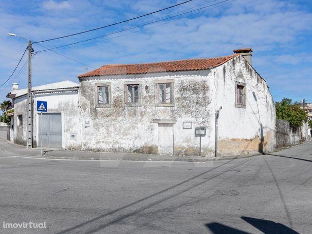 Casa p/ reabilitar -  S. João