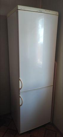 Холодильник snaige Под востановление или на запчасти 