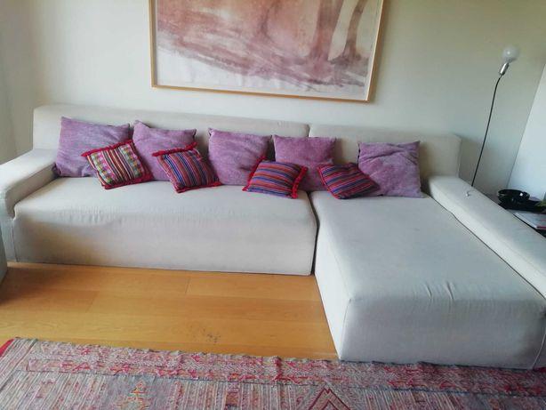 Sofá de 4 lugares + chaise longue.