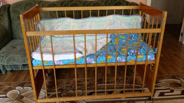 Детская кроватка матрасик подушка одеяло защитные бортики
