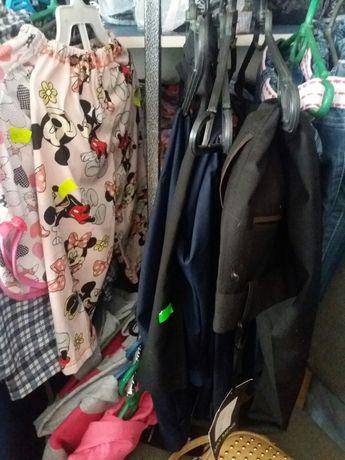 Отдам брюки на мальчика  школьные новые , водолазки, блузки девочка