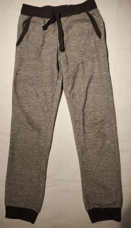 Spodnie dresowe rozm 128 szare