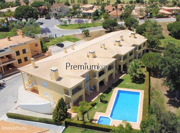 Apartamento T1 c/ Piscina e Garagem para Venda em Vilamoura, Algarve
